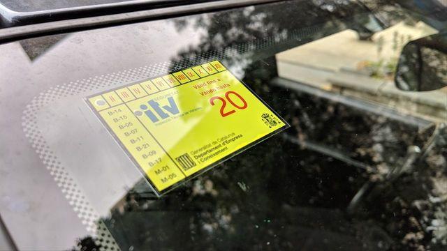 ¿Es delito poner la pegatina de la ITV en un coche que no la ha superado?